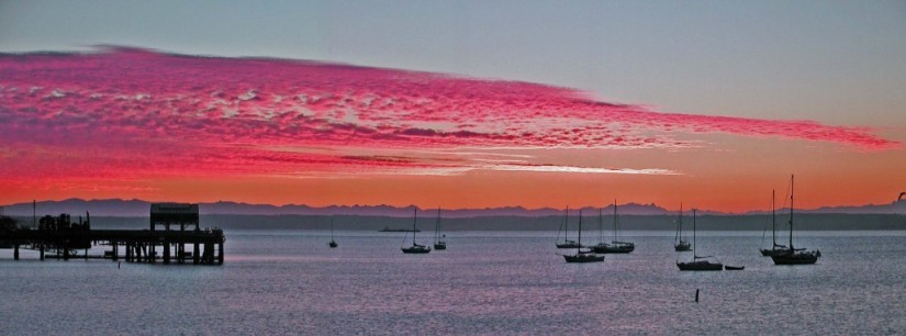 Port-Townsend-Sunrise-over-Admiralty-Inlet-Whidbey-Island-1030x383